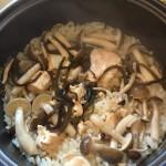 鮭缶で簡単炊き込みご飯